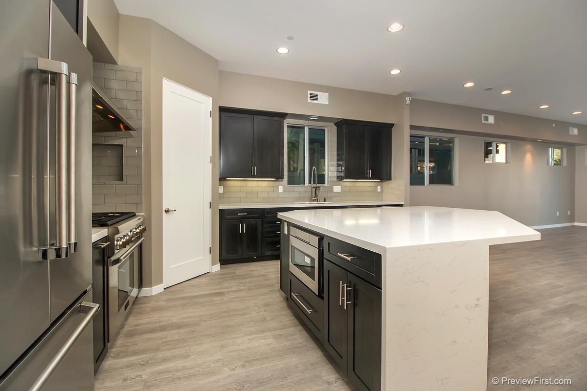 943 Law Kitchen