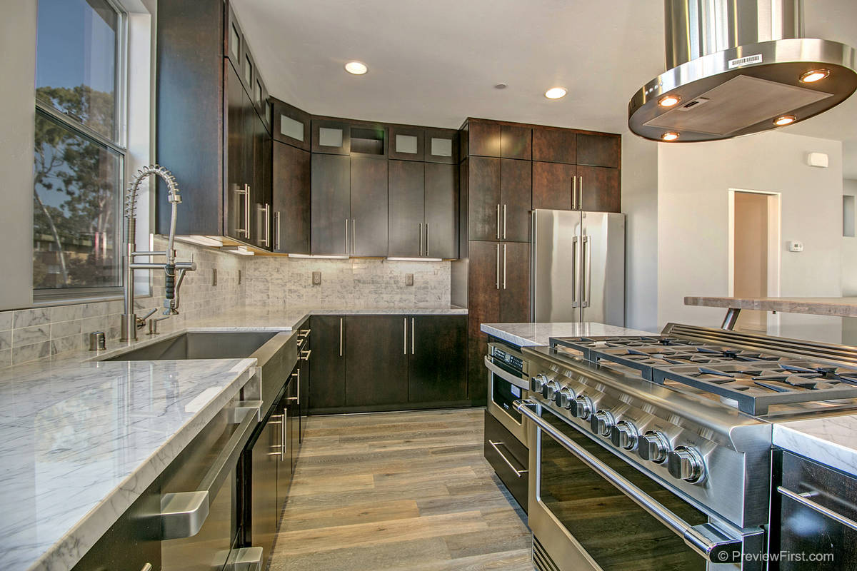 3920 Haines Kitchen Photos
