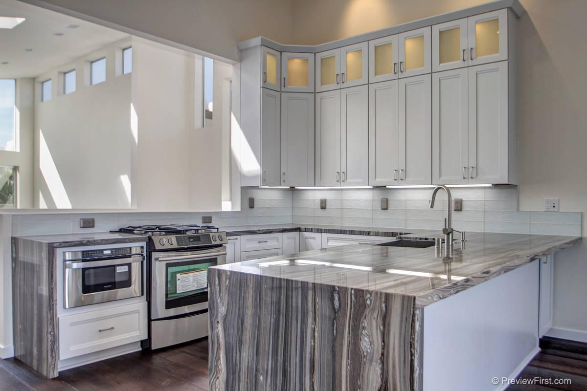 3815 Kendall Kitchen