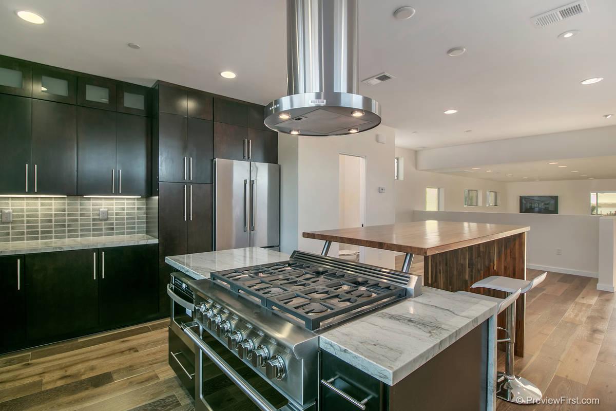 3937 Haines Kitchen Photos