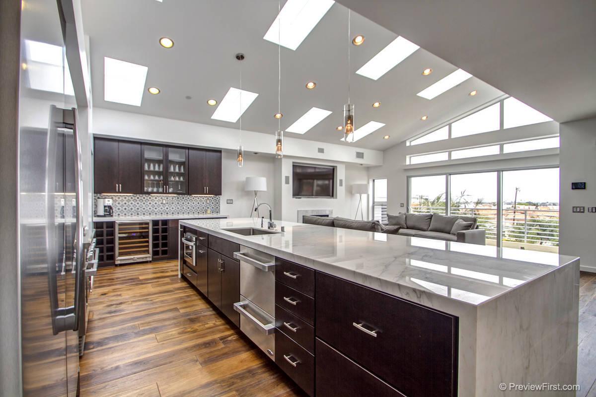 3707 Haines Kitchen Photos