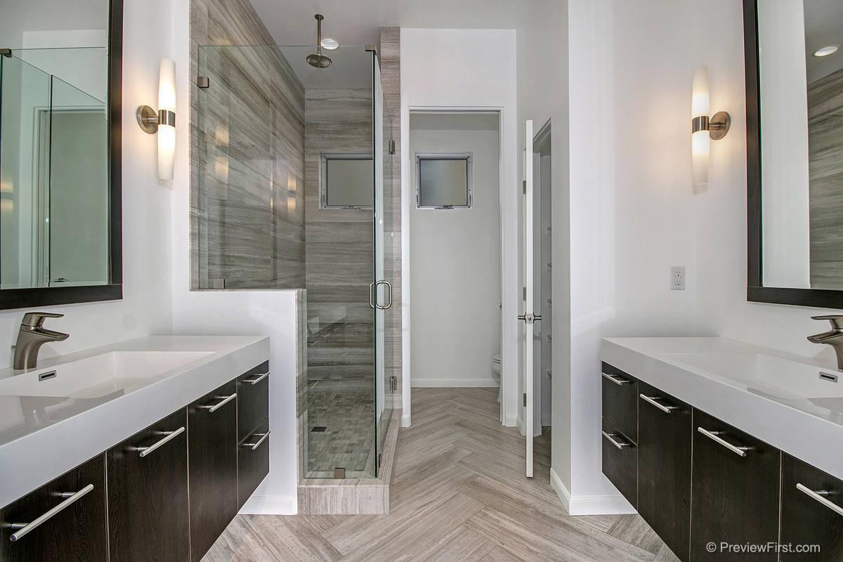 3920 Haines Bathroom
