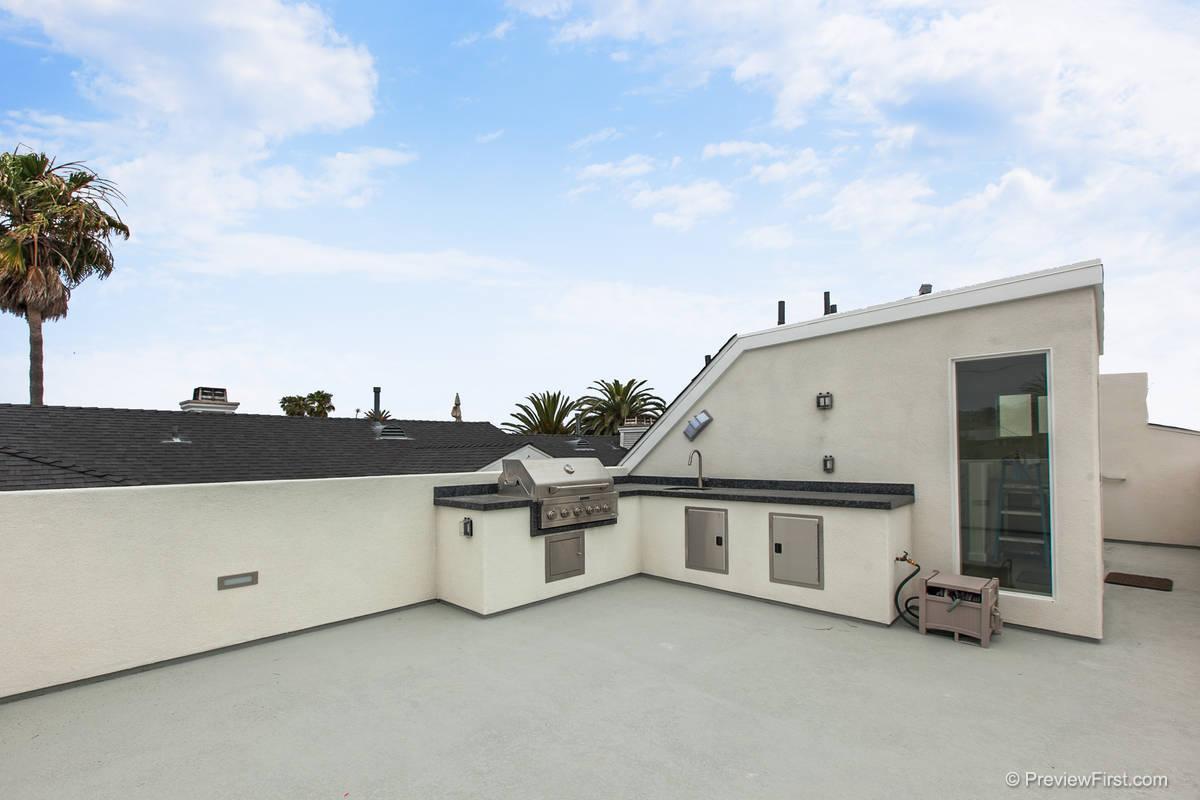 860 Chalcedony Roofdeck