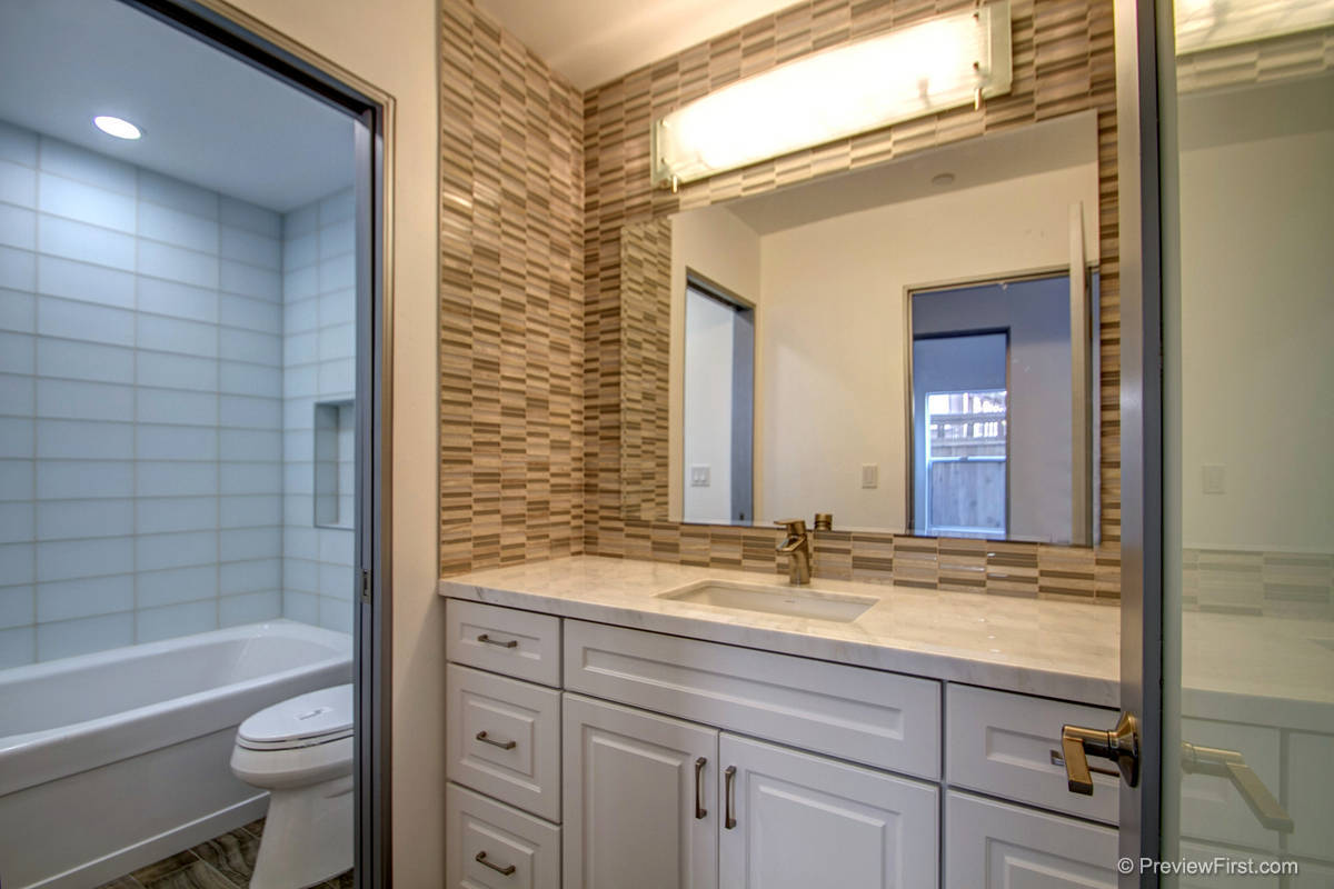3815 Kendall Bathroom