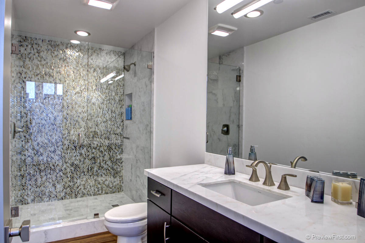 3707 Haines Bathroom Photos