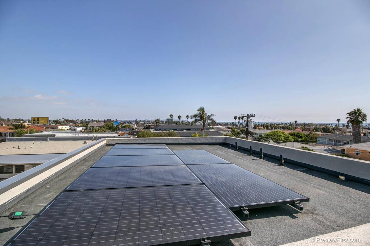 965-967 Diamond Solar Panels