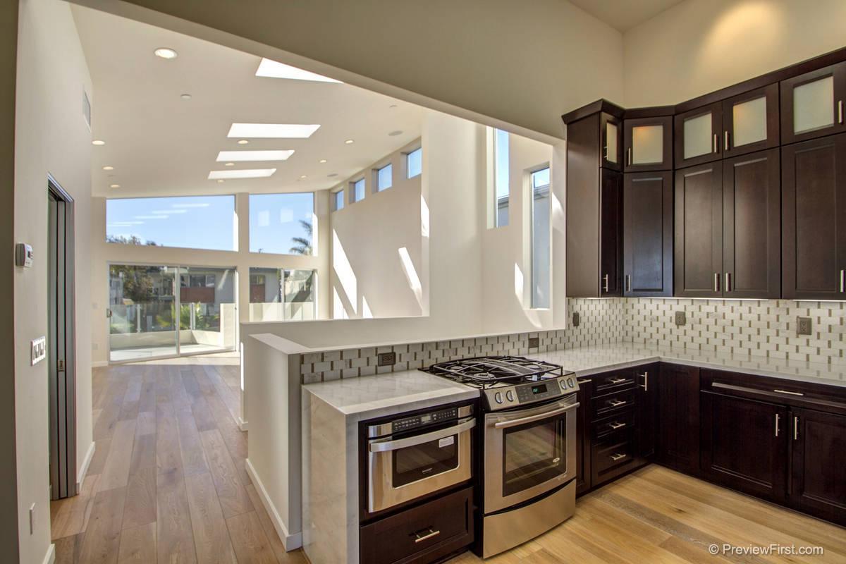 3811 Kendall Kitchen
