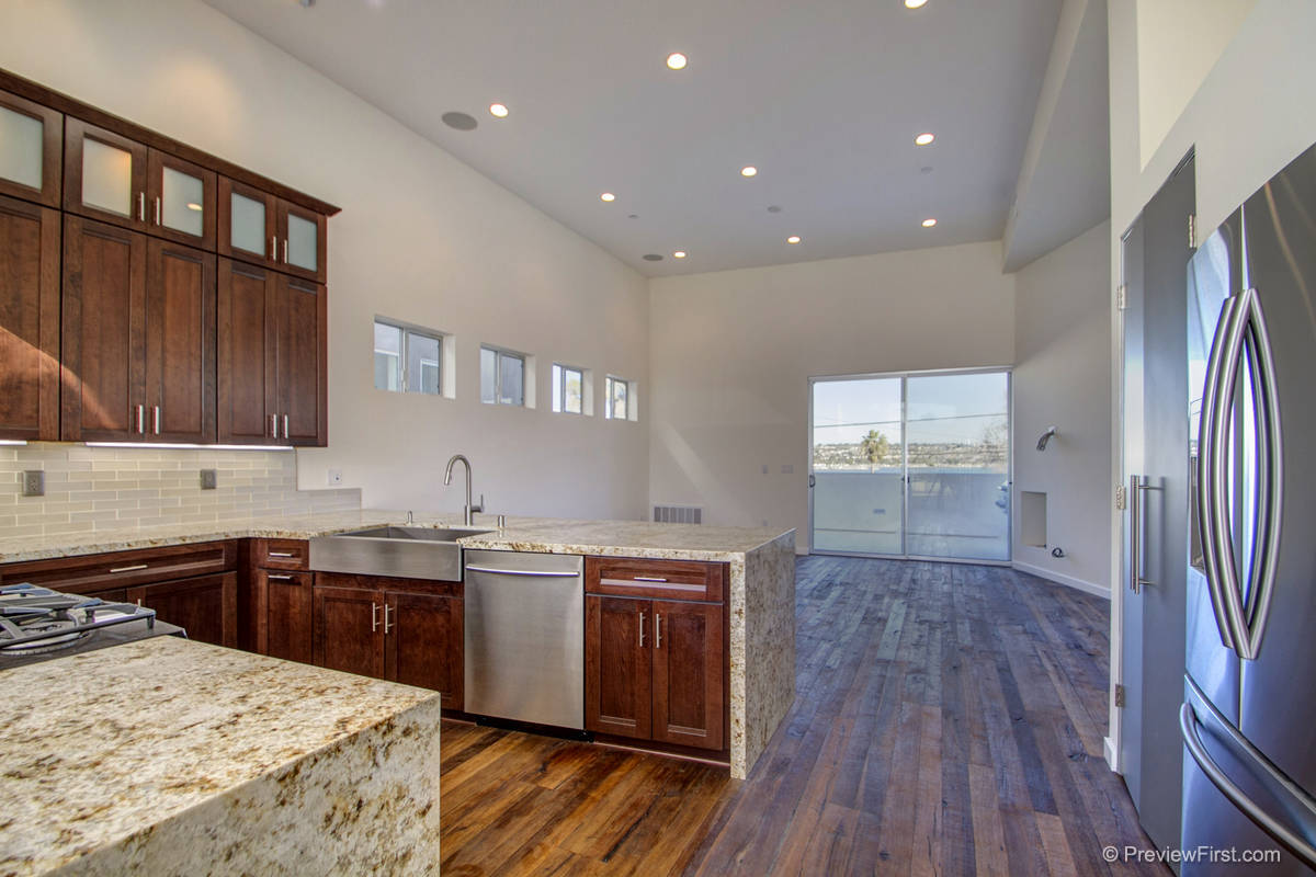 3813 Kendall Kitchen