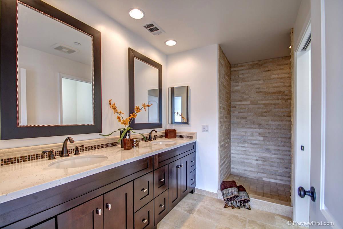 7529 Sturgess Bathroom