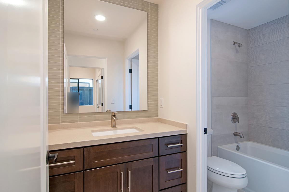 3937 Haines Bathroom Photos