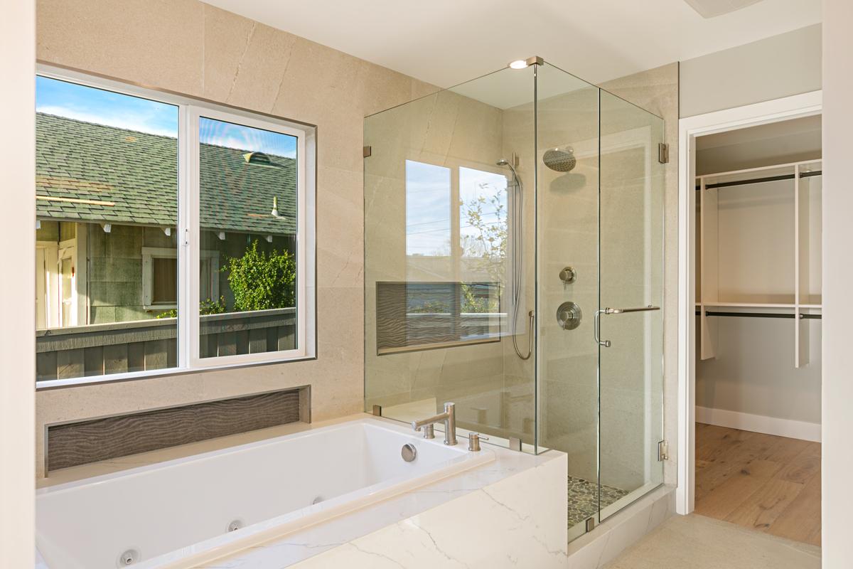 2450 Newcastle Bathroom
