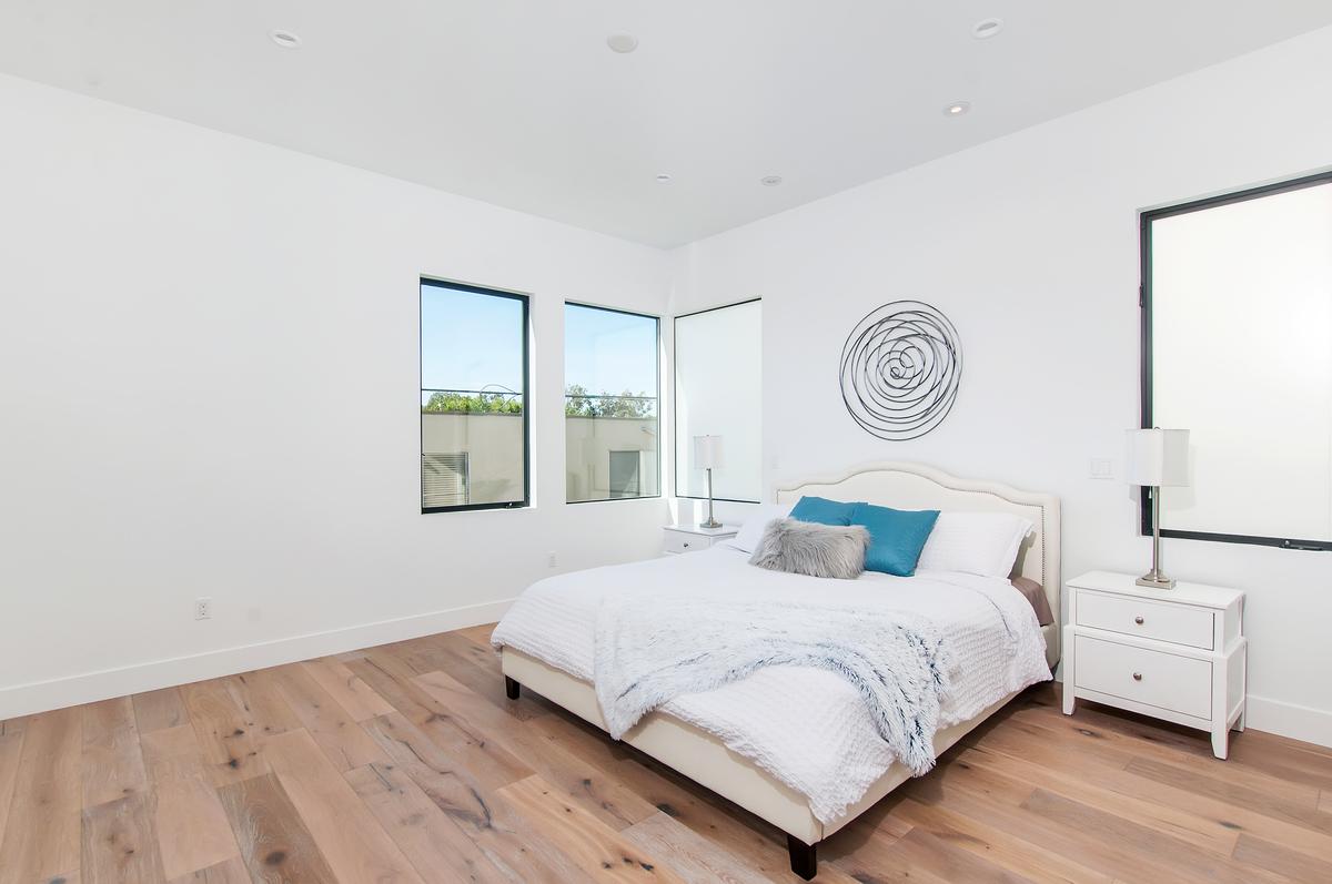 1730 La Playa Bedroom