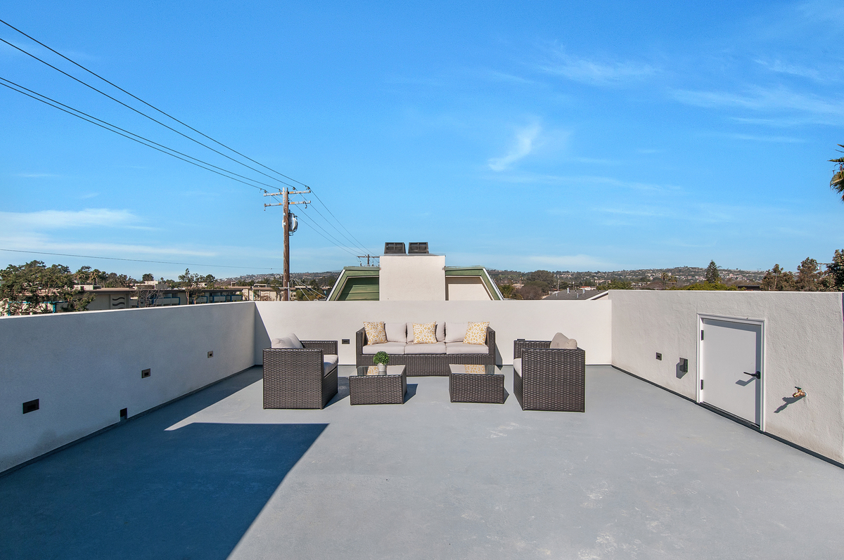 1730 La Playa Exterior Roofdeck