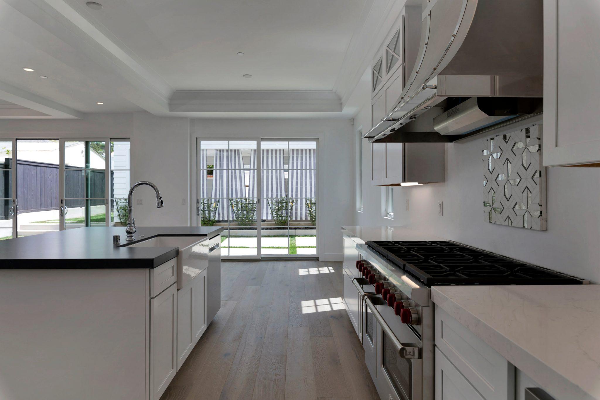 5543 Waverly Kitchen Photos