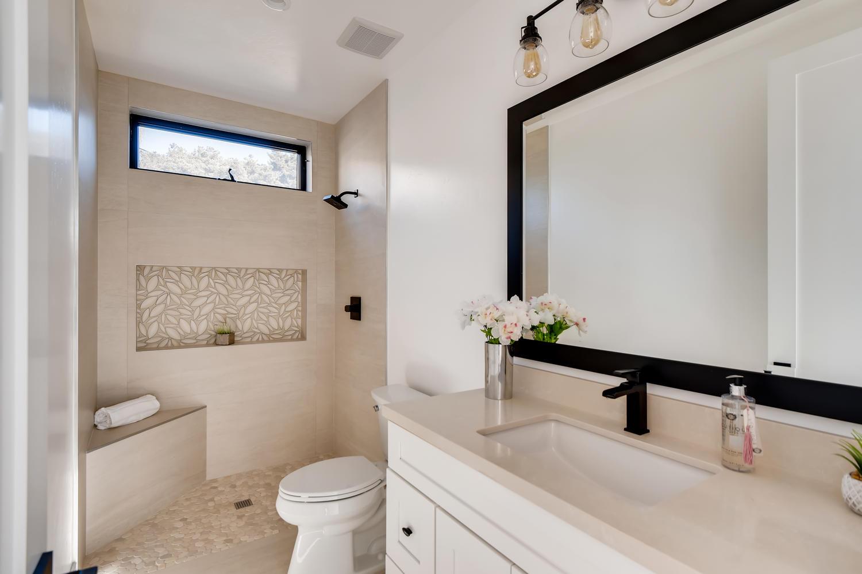 1039 Van Nuys St San Diego CA-large-018-019-Bathroom-1500x999-72dpi
