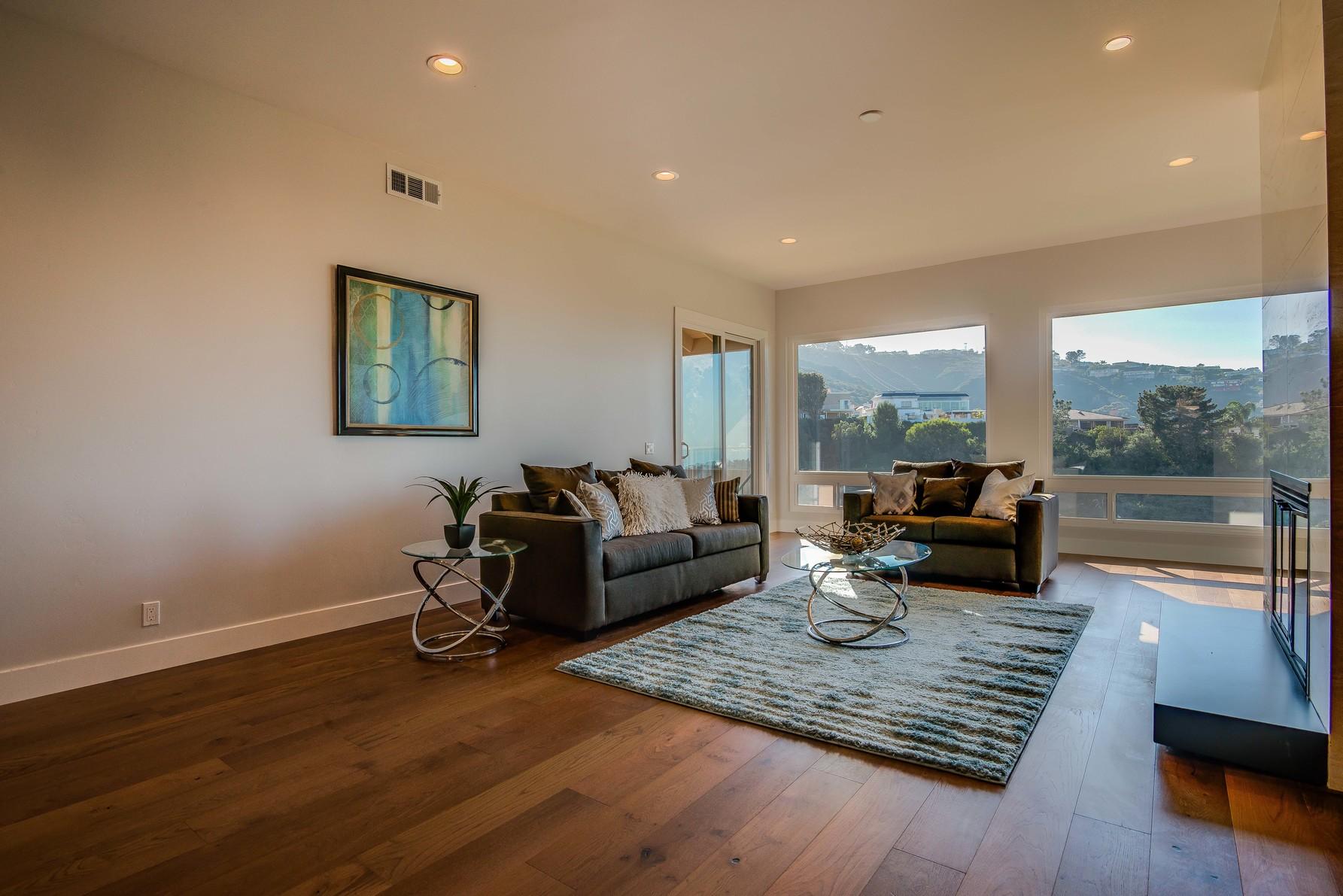 7656 CMNTO Coromandel Living Room