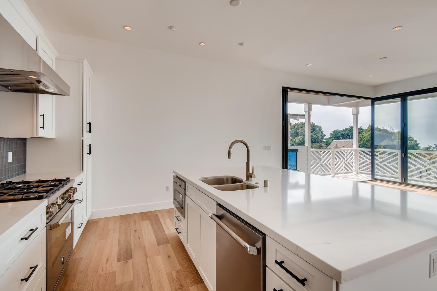 1041 Van Nuys St San Diego CA-large-019-019-2nd Floor Kitchen-1499x1000-72dpi